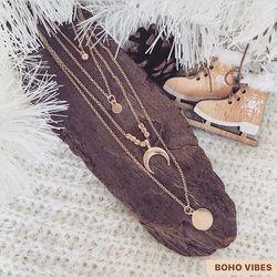 Collier 4 rangs dorés, en ligne sur www.bohovibes.fr ✨ #BohoVibes #Boutique #Bijoux #Accessoires #Collier #Boheme #Boho #Shopping #BohoOutfit #BohoStyle #BohemeChic #Jewelry #Jewels #Mode #Necklace #OnlineShopping #Accessories #Eshop #Details #FashionDetails #FashionJewelry #BohoJewels #BohoJewelry