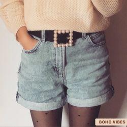 Ceinture à boucle carrée avec perles ✧ D'autres modèles de ceintures sont à retrouver sur www.bohovibes.fr ✨ #BohoVibes #Boutique #Bijoux #Accessoires #Boheme #Boho #Ceinture #Belt #Shopping #BohoOutfit #BohoStyle #Perle #BohemeChic #Jewelry #Jewels #Accessories #OnlineShopping #Eshop #Mode #Details #Pearl #Ootd #Collection #FashionDetails #FashionJewelry #BohoJewels #BohoJewelry